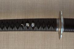 silver-handachi-tsuka-closeup